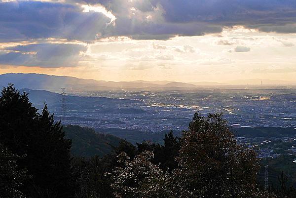二上山雌岳の下の広場からの眺め