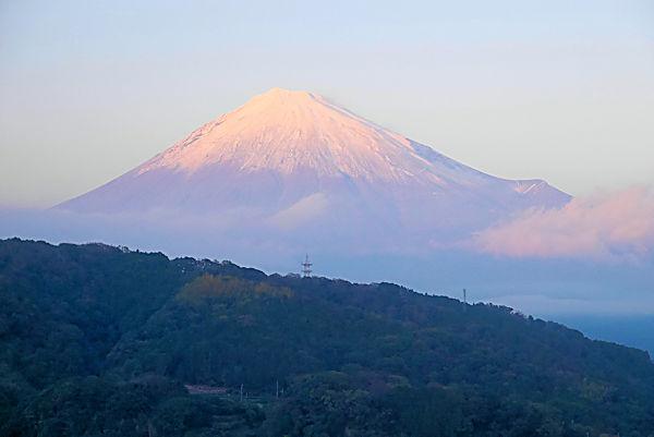 道の駅「富士川楽座」4階展望ラウンジより富士山