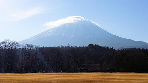 20181201_道の駅「なるさわ」第3駐車場からの富士山