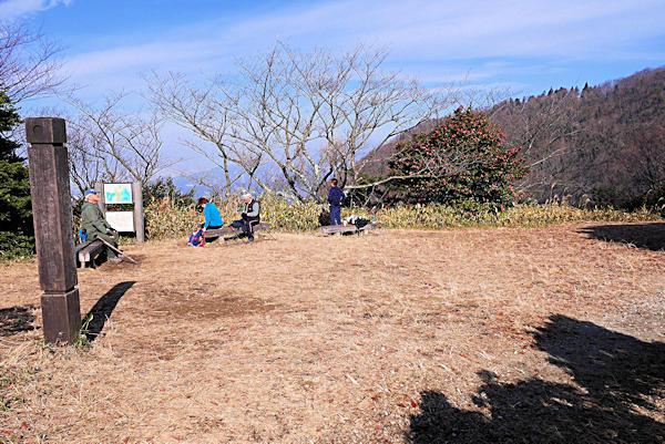 20190119二上山 (5)雌岳山頂広場