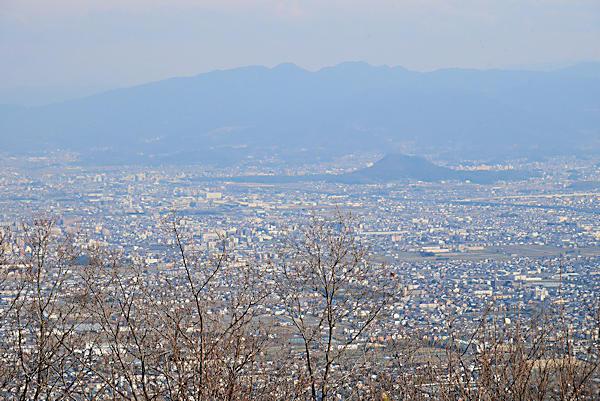 20190224二上山 (12)雌岳山頂から奈良方面の眺め