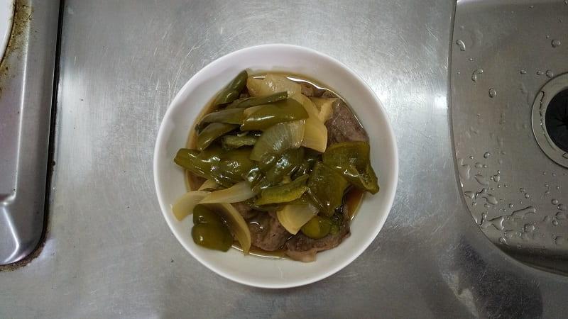 自炊その1 ピーマン・玉ねぎ・牛肉煮